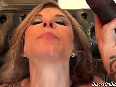 Chloe Chaos Enjoys Hot Interracial Threesome 4